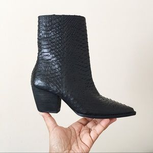 Matisse Caty Ankle Boot Black Snake